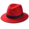 หมวกแฟชั่นทรงปานามา สีแดง ผ้าสักหลาด คาดสีดำ ประดับตัว M