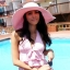 หมวกปีกกว้างสีชมพู ประดับดอกไม้ ทำจากวัสดุสังเคราะห์ปรับรูปแบบได้ตามต้องการ thumbnail 1