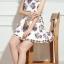 ชุดเดรสสั้นสีขาวลายดอกไม้สวยหรู คอประดับคริสตรัส แขนกุด สไตล์เกาหลี ไซส์ M thumbnail 5