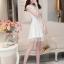 ชุดไปงานแต่งงานสวย น่ารัก สีขาว ผ้าซีทรูซับในด้วยผ้าไหมเกาหลี คอลูกไม้ แขนกุด ด้านหลังผูกโบว์สวยเก๋ๆ เอวเข้ารูป ซิปข้าง ขนาดไซส์ M thumbnail 3
