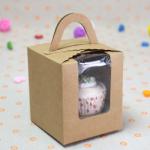 กล่องใส่คัพเค้ก 1 หลุม กระดาษคราฟท์ มีหูหิ้ว ด้านหน้าใส 5 กล่อง BAKE167
