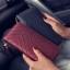 กระเป๋าสตางค์ใบยาว ซิปรอบ พู่ห้อย thumbnail 3