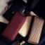 กระเป๋าสตางค์ใบยาว ซิปรอบ พู่ห้อย thumbnail 2