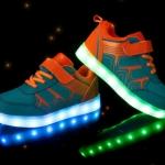 รองเท้าเด็ก มีไฟ สีฟ้า (US11.5/EUR29)