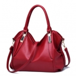 กระเป๋าสะพายหนัง สีแดง (high grade)