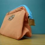 กระเป๋าเครื่องสำอาง สีส้ม